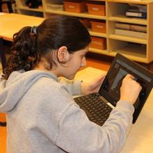 Click to view album: Kunstlessen op school
