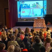 Click to view album: Adventsvieringen op school